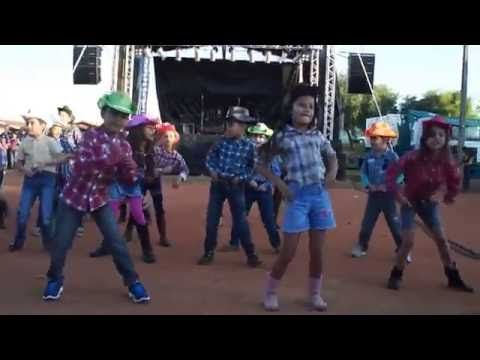 Vamos Fazer Festa coreografia Tchê Garotos - Prof. Vanessa e Prof. Katia - YouTube