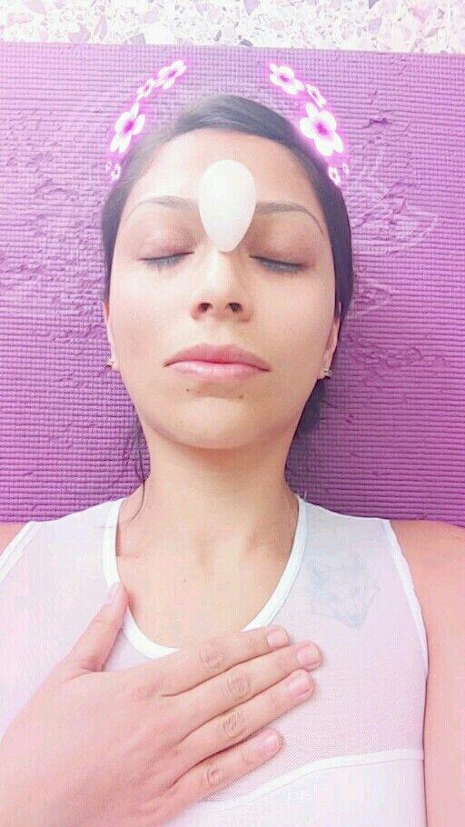 Huevo de cuarzo rosa apto para terapia vaginal, son joyas de la tierra al servicio del bienestar sexual, mental y emocional de las mujeres, además de ser un apoyo terapéutico en los tratamientos ginecológicos. Es decir pura vida concentrada directo de las entrañas de la tierra para nuestros adentros y nuestros cuerpos preciosos y preciados ❤