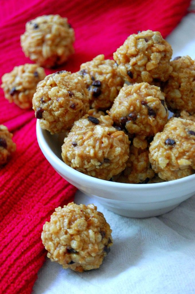 5 Ingredient Peanut Butter Balls w/ Crispy Rice Cereal-use @attunefoods brown rice cereal for a gluten-free version.