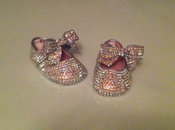 MEDIDA cualquier COLOR cristal Swarovski Rhinestone completamente cubierta Bling bebé zapatos con el arco de chispa