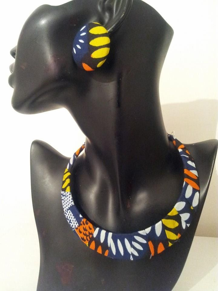 www.cewax.fr love this statement necklace ethno tendance, style ethnique, #Africanfashion, #ethnicjewelry - CéWax aussi fait des bijoux : http://www.alittlemarket.com/collier/fr_collier_ethnique_en_wax_tissu_africain_beige_marron_envoi_0e_-9876417.html - PARURE COLLIER + BOUCLES D OREILLE WAX AFRICAIN : Sacs à main par ekeeya