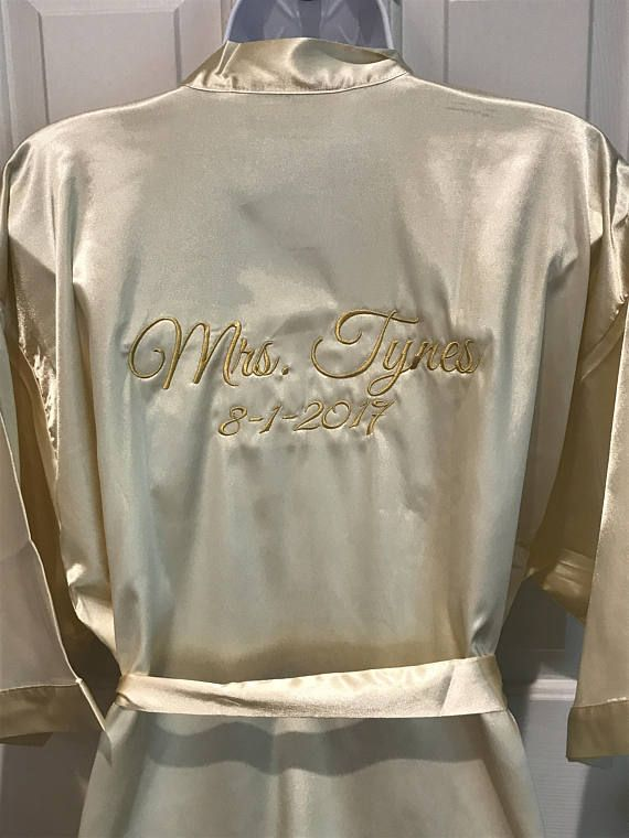 Personalized Embroidered Satin Brides or Mrs. ~ Robe Satin , Bridal party, your personal Robe