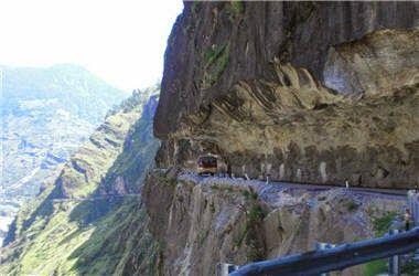 Travel Around The World: Seven Scenic Road Trips You'll Enjoy