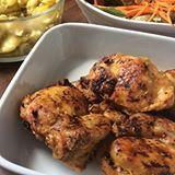 Mais uma dica de  tempero para frango. Porque não somos obrigada a comer frango com alho e sal todos os dias. 😂😂 —-———————— ➡️Sal grosso ➡️Cúrcuma ➡️Alecrim seco Quantidade a gosto.  Combinação deliciosa. . . . #receitadoteretete #dica #dicadoteretete #lowcarb #frango #instagood #instafood #food #foodblog #foodblogger
