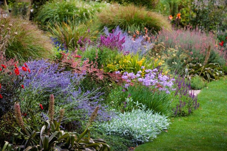 Beautiful perennial border at The Garden Of St Erth. Photo by Claire Takacs.
