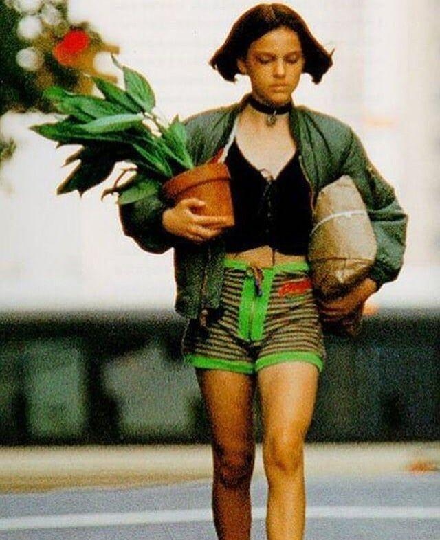 Pin Von Nabeghew Auf Mathilda The Professional Natalie Portman Leon Leon Matilda