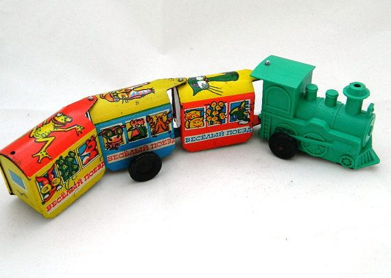 Vintage moving train. Wind up train. Soviet toy. Made by RETROisIN, $24.00