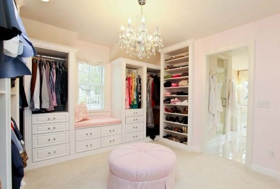 Love would be great for teen girls closet connected to for Walk in closet ideas for teenage girls