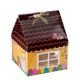 This cute cupcake gift box house is great for keeping your Easter cupcakes well presented.