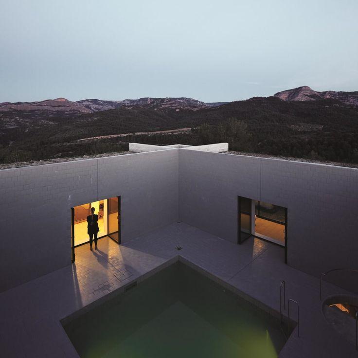 Pezo von Ellrichshausen, Cristóbal Palma · Solo House. Cretas, Teruel, Spain