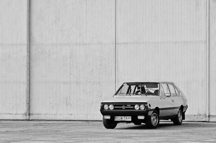 https://flic.kr/p/dv32BW | FSO Polonez Coupe | NH Zlot 2012, Cracow, Poland. Pentax K-x + SMC M 50/1.7