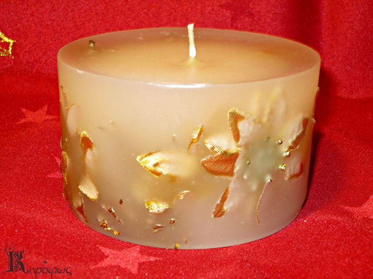 Μεγάλο κοντό στρογγυλό κερί. Χρυσά σχέδια με άρωμα αχλάδι.