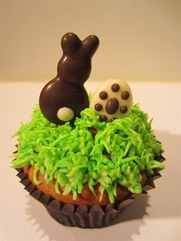 #CakeDecorating New Blog Tutorial #Chocolate #Easter Bunny and Eggs #Cupcake Toppers http://www.mycakedecorating.co.uk/blog/2013/02/piped-chocolate-bunny-and-egg-easter-cupcake-toppers/
