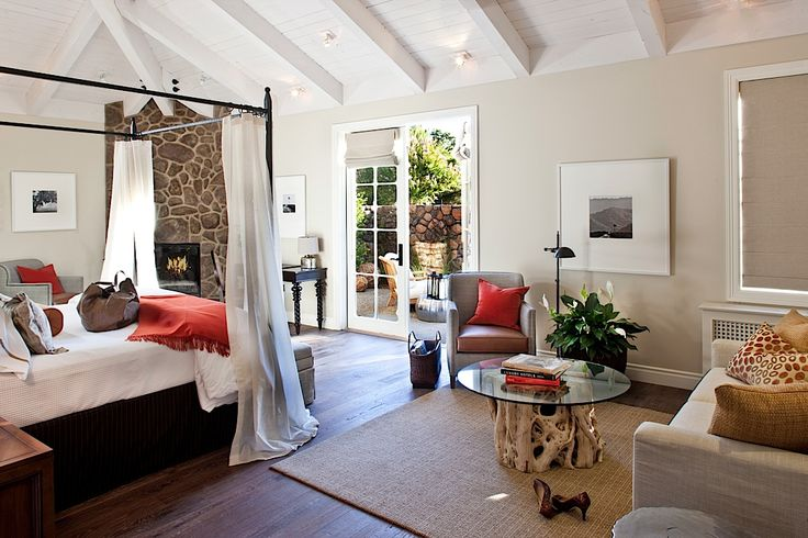 Hotel Yountville.: Hotels Yountvil, Home Interiors, Bedrooms Colors, Dreams, Masterbedroom, Napa Valley, Master Bedrooms, Red Accent, Bedrooms Ideas