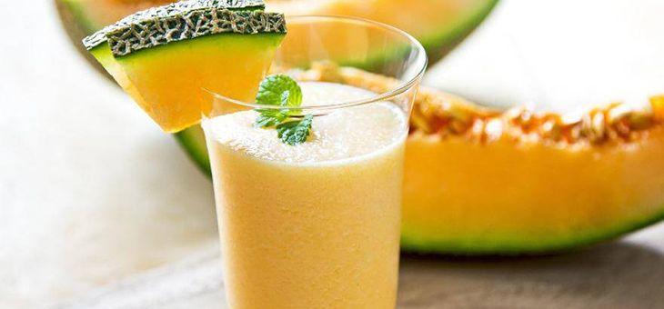 Smoothie melograno e melone aromatico con Supergreens Multimix Bioglan