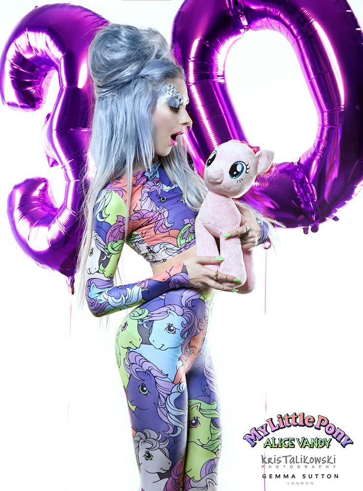 #alicevandy #mylittlepony #leggings #croptop #lycra #nylon #digitalprint #silverhair #bluehair #girlpower #vandycandy
