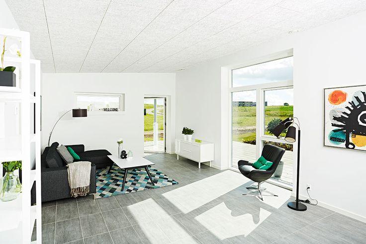 Stuen er hvor familien kan slappe af i hyggelige omgivelser #huscompagniet #inspiration #indretning #husbyg #indretning #nybyg #husejer #nythus