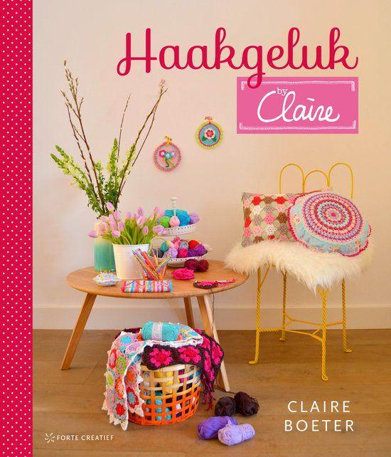 In dit kleurrijke boek laat Claire Boeter zien hoe je met haar eigen garenlijn, byClaire haakkatoen, de mooiste haakprojecten maakt. Je kunt met kleine projecten beginnen, zoals een etui of spelden…
