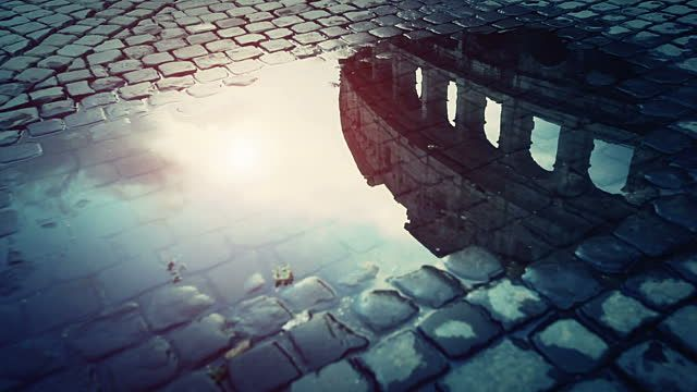 rome-water-reflections-the-colosseum-video-id185785763 (640×360)