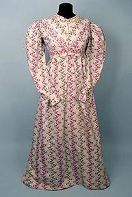 Tasha Tudor's dress (auctioned): Clothing Items, Author Tasha, Auction Company, 19Thcenturi Stuff, Tudor Dresses, Tudor Auction, Station Jana, Century Dresses, Dresses Auction