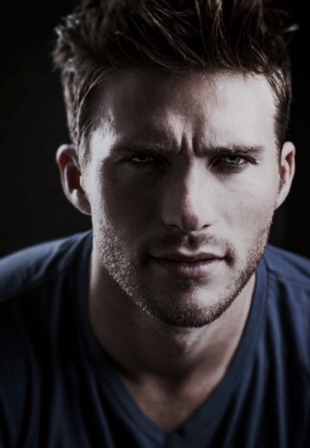 Wouldn't he make a wonderful Wolf! Scott Eastwood.
