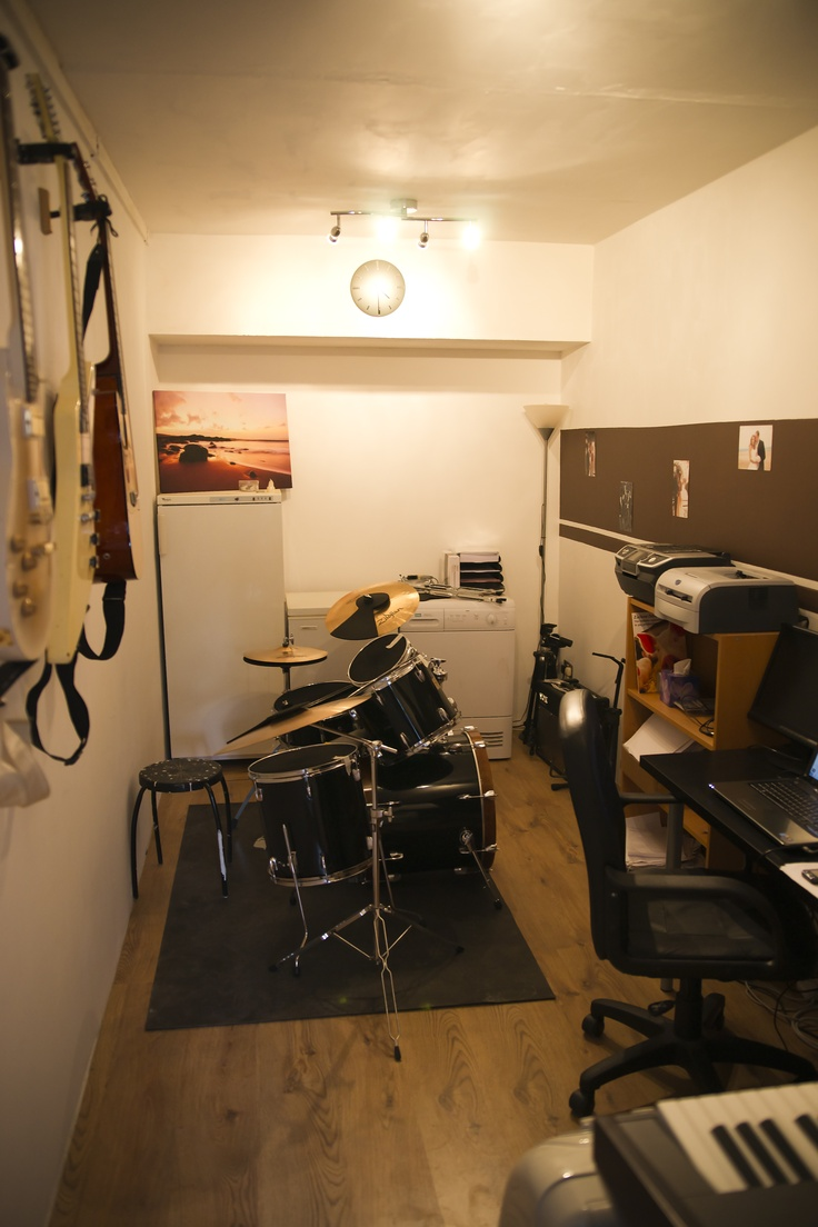 Charmant Once The Floor Was Down It Was Then A Case Of Turning It Into A Proper Room    So It Became My Music Studio / Office So All That Soundproofing Became  Very ...