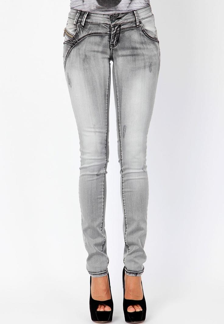 Remi Stonewash Skinny Jeans #MGWINTERWARDROBE