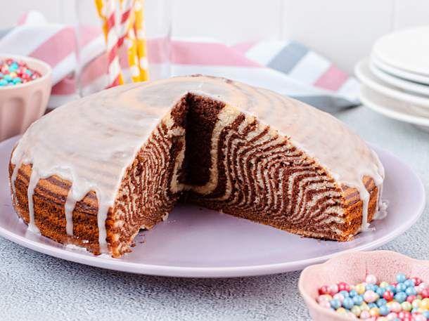 Klassischer Zebrakuchen Rezept Lecker Rezept In 2020 Kuchen Rezepte Einfach Zebrakuchen Susse Kuchen