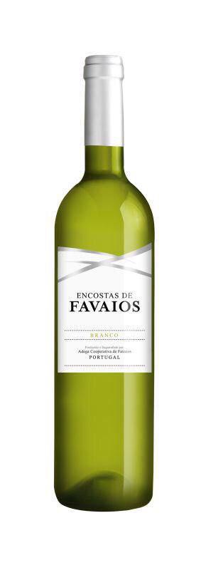 Encostas de Favaios is een heerlijke aromatische witte wijn van wijnhuis Adega de Favaios uit de Douro, Noord-Portugal. Deze wijn wordt gemaakt van de Moscatel Galego, Malvasia Fina en Codega druiven. Het is een citroengele, kristalheldere witte wijn met een fijn aroma van tropisch fruit. Fris, droog met een zeer evenwichtige zuurgraad. Goede combinatie met vis, schelp en schaaldieren en salades, bij de barbecue of zomaar heerlijk in het zonnetje met een paar zoutjes!   Verkrijgbaar bij…