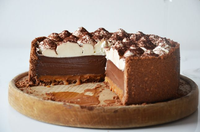 cokoladovy dort s karamelem