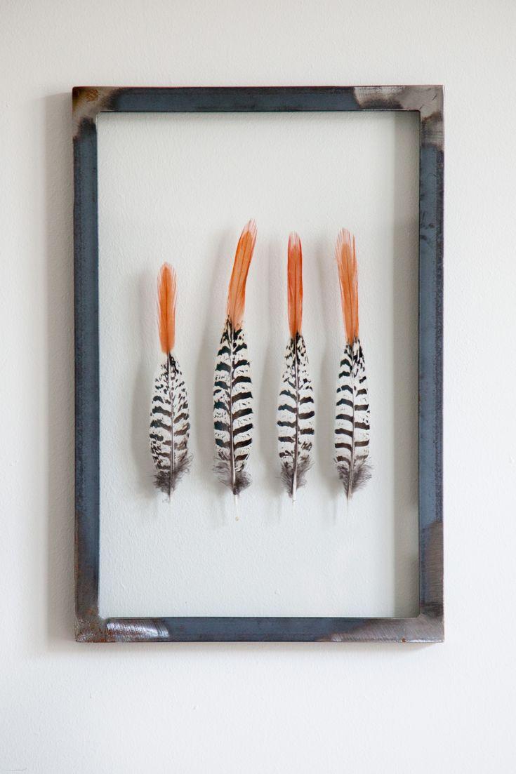 Struisvogeleieren en veren van een fazant voor in huis Roomed | roomed.nl