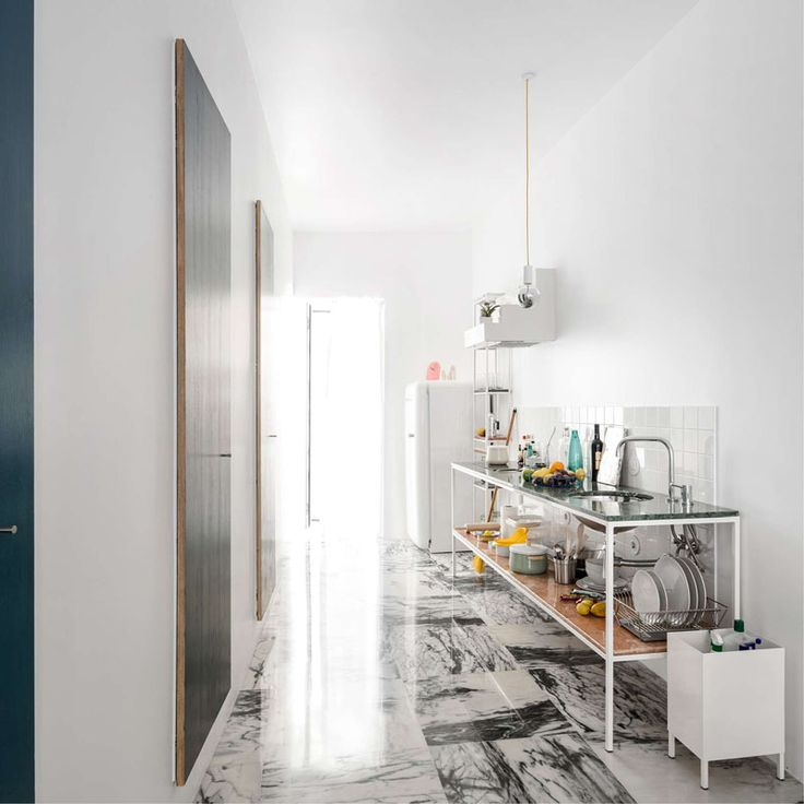 A stunning apartment with a marble floor - Roomed