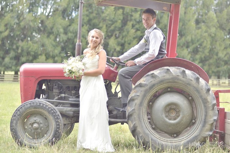 A touch of country. #summerwedding