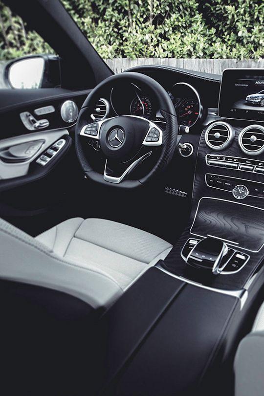 Mercedes-Benz C-Class                                                                                                                                                      Más