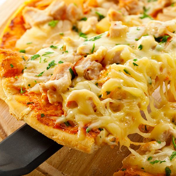A delicious pizza recipe along with instructions on how to make your own pizza dough.. Fiesta Chicken Pizza with Homemade Pizza Dough Recipe from Grandmothers Kitchen.