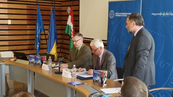 New agreement signed between the University of Pécs and Fulbright Hungary on Friday, April 10 in Pécs. The agreement supports US Fulbright scholars who would like to teach or do research at Hungary's first university founded in 1367, Pécs, in 2016-17 and beyond. We look forward to receiving many applications over the next few years.