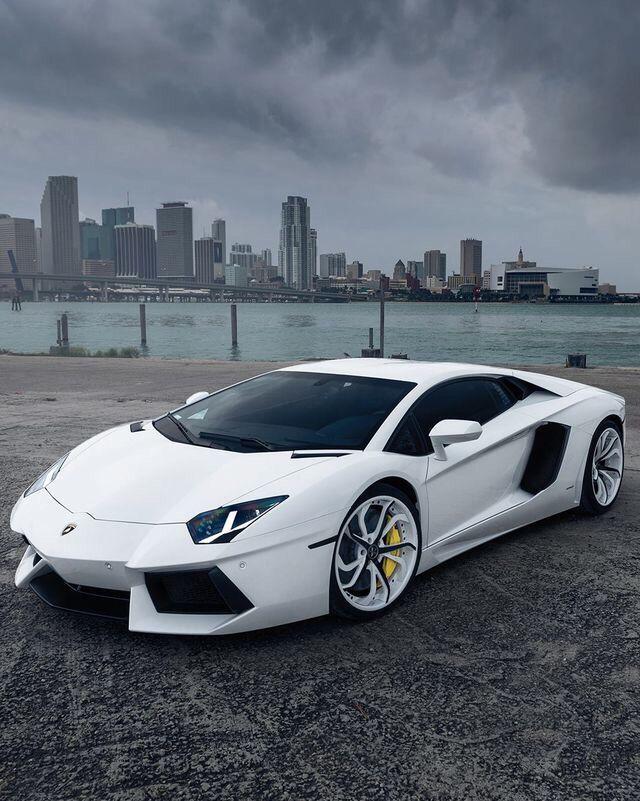 #Lamborghini Aventador jetzt neu! ->. . . . . der Blog für den Gentleman.viele interessante Beiträge - www.thegentlemanclub.de/blog