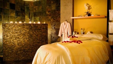 42 best romantic getaways images on pinterest romantic for Spa weekend getaways for couples