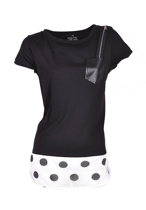 T-shirt with fantasy diagonal black and white with pocket. BUY IT NOW ON www.dezzy.it!