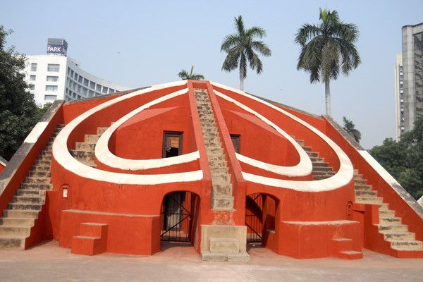 Jantar Mantar… Antique with Astronomical Delight. This was one of the first observatories to have been built in the country with a motive to keep a track of the movement of the Sun, Moon and other planets of our solar system.