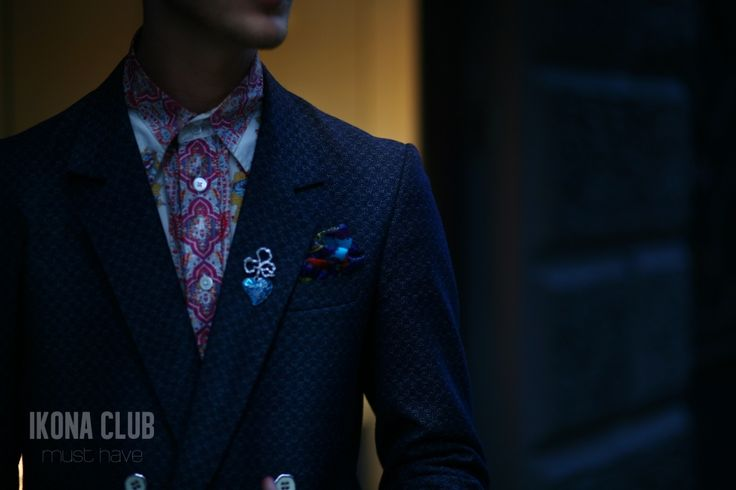 #STREET #FASHION #MUST #HAVE #STYLE #BLOG #ACCESSORIES #BLAZER #SHIRT #BUTTONS #SHAWL #BROOCH