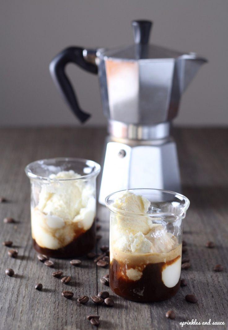 Egy igazi olasz fekete vaníliafagylalttal, aminek te sem tudsz ellenállni! #fagyi #fagylalt #kave #cofee #espresso #finom #desszert #nasi #tescomagyarorszag