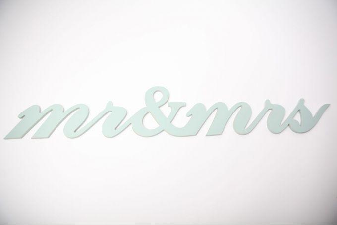 wooden word - mr & mrs by Bokke & Blomme