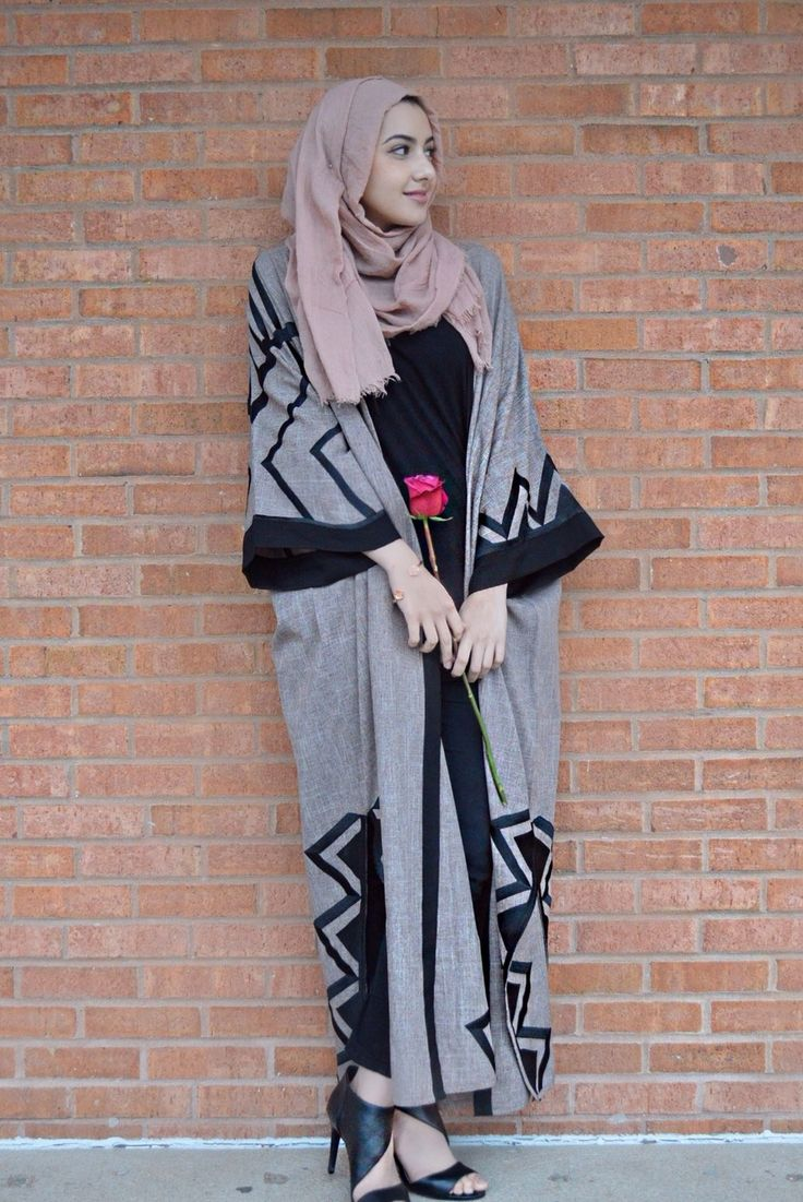 Summer Albarcha  ||  Tribal abaya from Leenaz (https://www.instagram.com/_leenaz/)  ||  Pink scarf from Austere Attire (http://www.austereattire.co/)