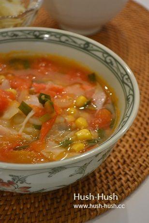 トマトの酸味が決め手の酸辣湯麺