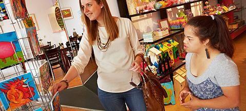 Zizo | Utrecht - Onze leverancier van prachtige met de hand geschilderde kaarten. Je kunt er ook heerlijk lunchen, even een kopje koffie nemen of snuffelen in de winkel vol bijzondere producten.