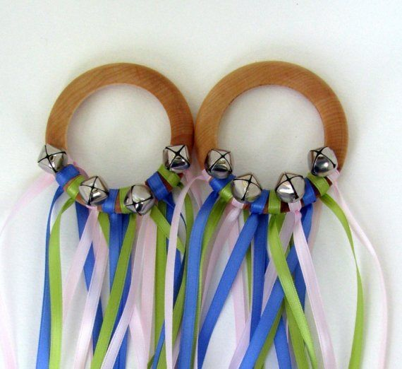 Dancing Fairy Rings - fun for a diy project. Great combo ribbon twirling and bell jingling Ummm... Yes!
