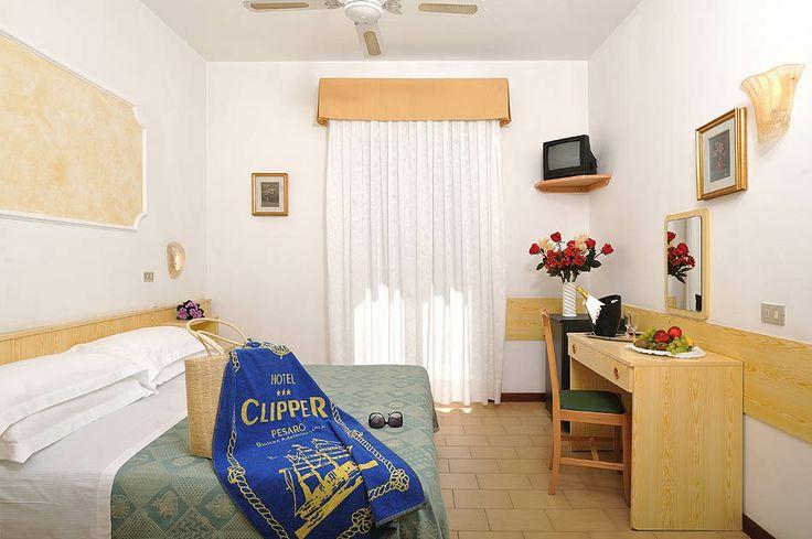 Le family room sono dei miniappartamenti per 4 o 5 persone, composti da un unico ingresso, due camere comunicanti e il bagno in comune. Ogni camera ha il suo balcone che si affaccia sullo stesso versante dell'ingresso dell'hotel.