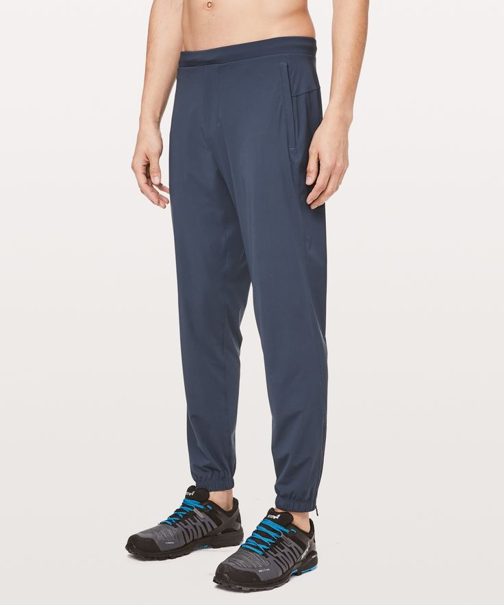 Essentials Mens Soft-Tech Stretch Training Jogger Pant