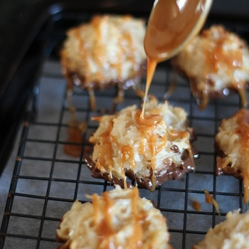 Salted Caramel Coconut Macaroons   Cuckoo for Coconut   Pinterest